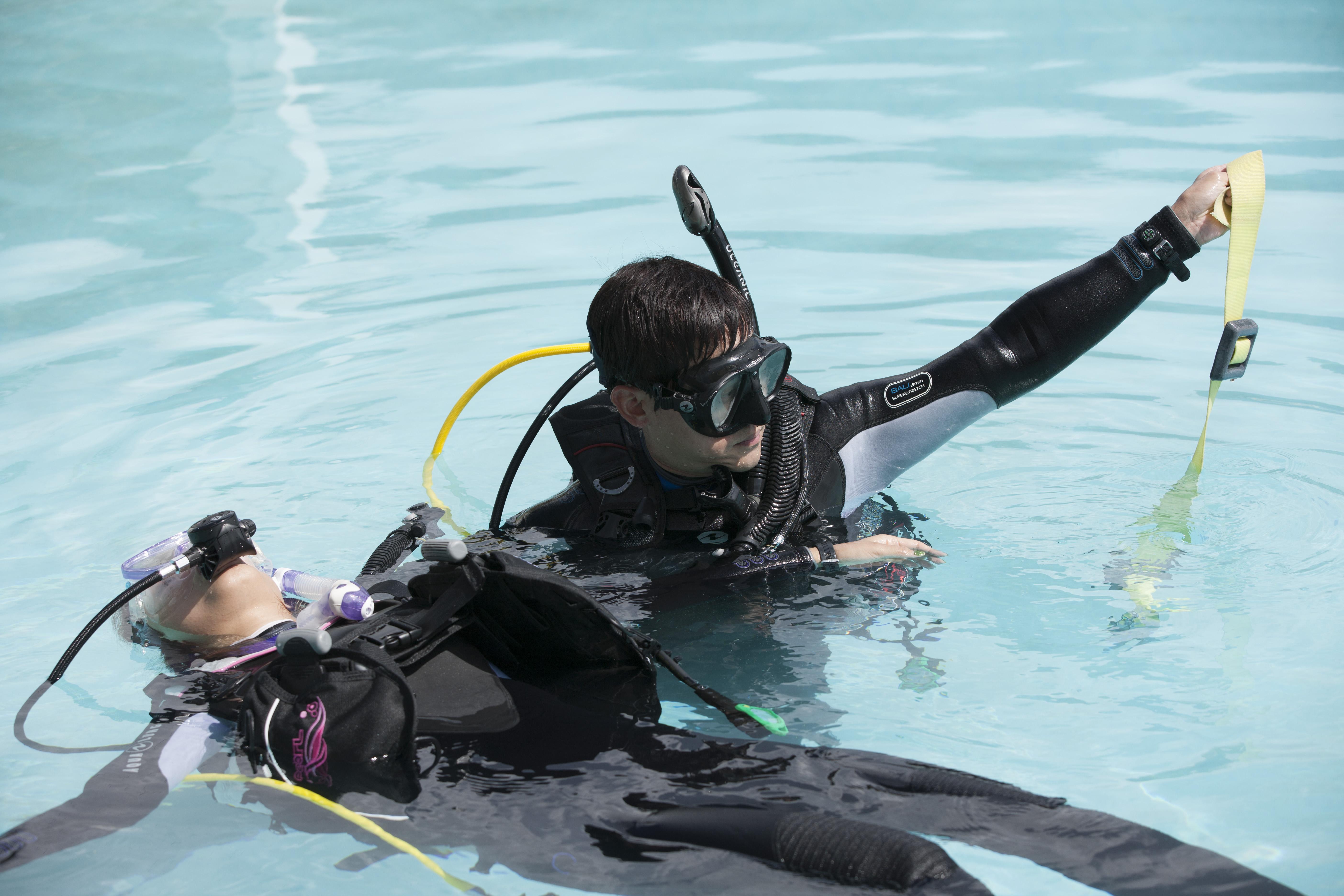 Sdi rescue diver course sdi tdi erdi small image rescue xflitez Choice Image