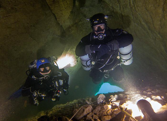Sidemount Cave