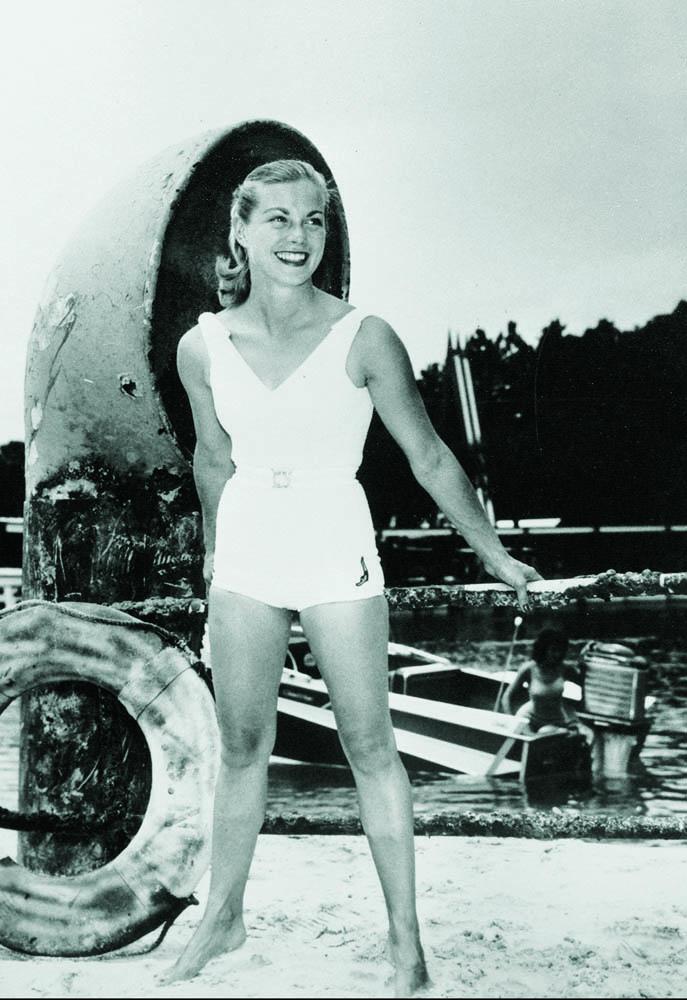 Glamour Shot, 1957