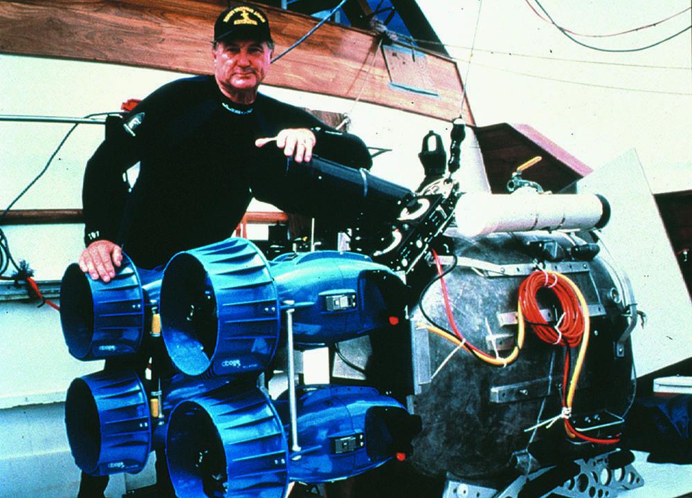 IMAX 3D camera rigged with DPV drive units, Galapagos, 1999