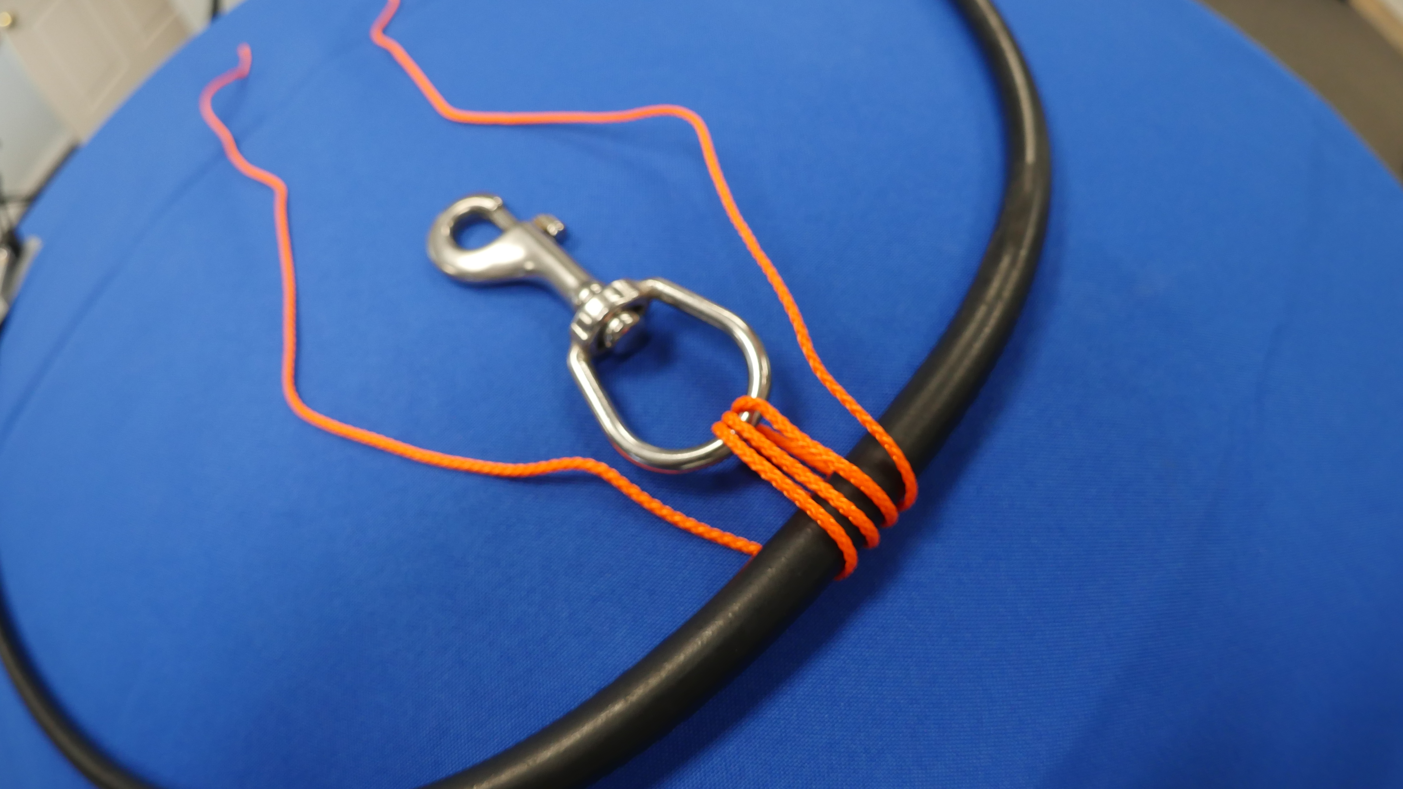 How to Attach a Bolt Snap to Dive Equipment - SDI | TDI